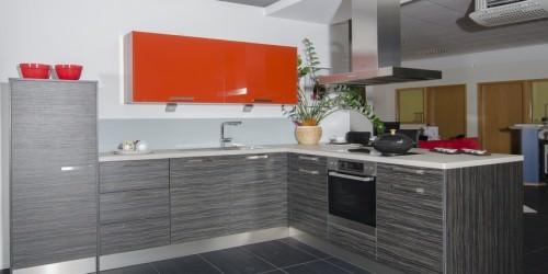 Küchenmonteur/Schreiner gesucht!